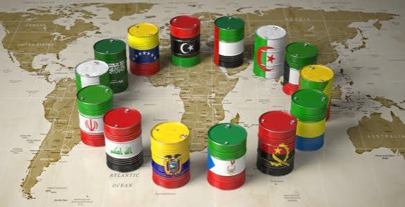 Saudi Arabia, Russia Blaming Oil Price Collapse on U.S. Shale Producers